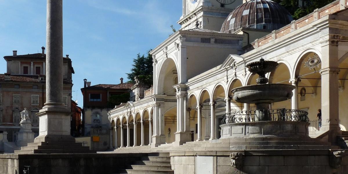 Udine: VIA ZANON E LA SUA STORIA, TRA CHIESE, CAPPELLE E PALAZZI STORICI